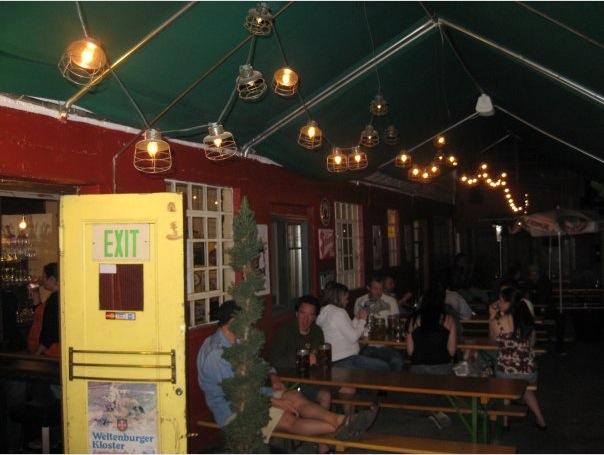 Bar, ve kterém se prototyp našel