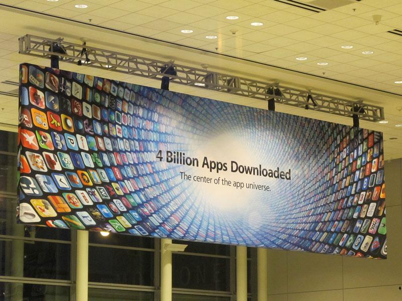 4 miliardy stažených aplikací