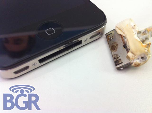 iPhone 4 problém s ohněm